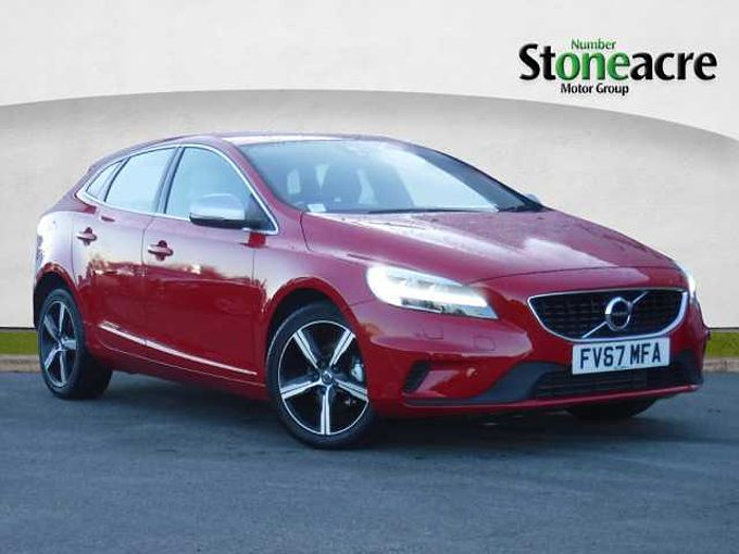 Volvo V40 D2 R-Design Manual Navigation, Winter Pack, Volvo ONCALL, Cruise Control, Rear Park Assist