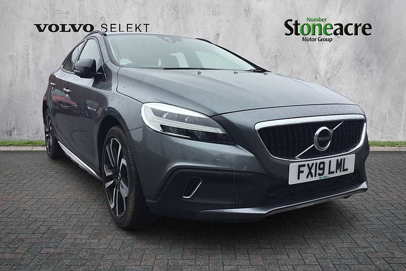 Volvo V40 CC T3 Cross Country Pro Automatic (Leather, Cruise control, Sat Nav, Rear camera, Full volvo service history)